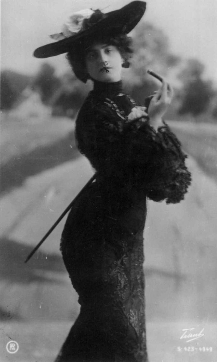 1900-årene, Kvinnedrakt