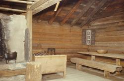 Stueinteriør i bygning fra Ytre Sæle i Sunnfjord.