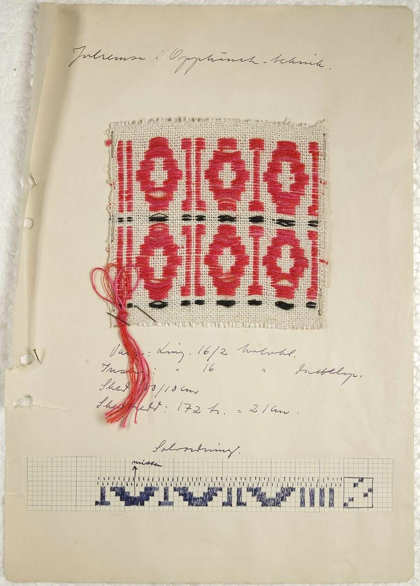 """Sex vävprover av julremsor och löpare. Proverna är vävda i upphämta, fem av lingarn och ett av lingarn och cottolingarn. Vävproverna är, tillsammans med garnprover, häftade på papper som även innehåller uppgifter om material och vävsätt. Fyra av papperena har en signatur """"B.R. -54"""". På ett papper står """"Komp. B. Rendahl 1961.""""."""