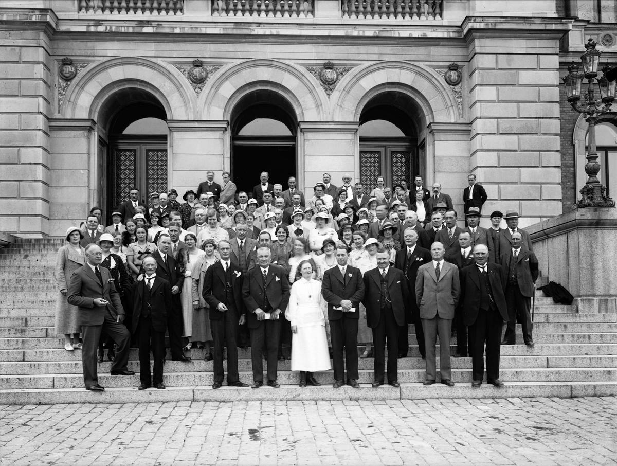 Grupp på Universitetshusets trappa, Uppsala 1934