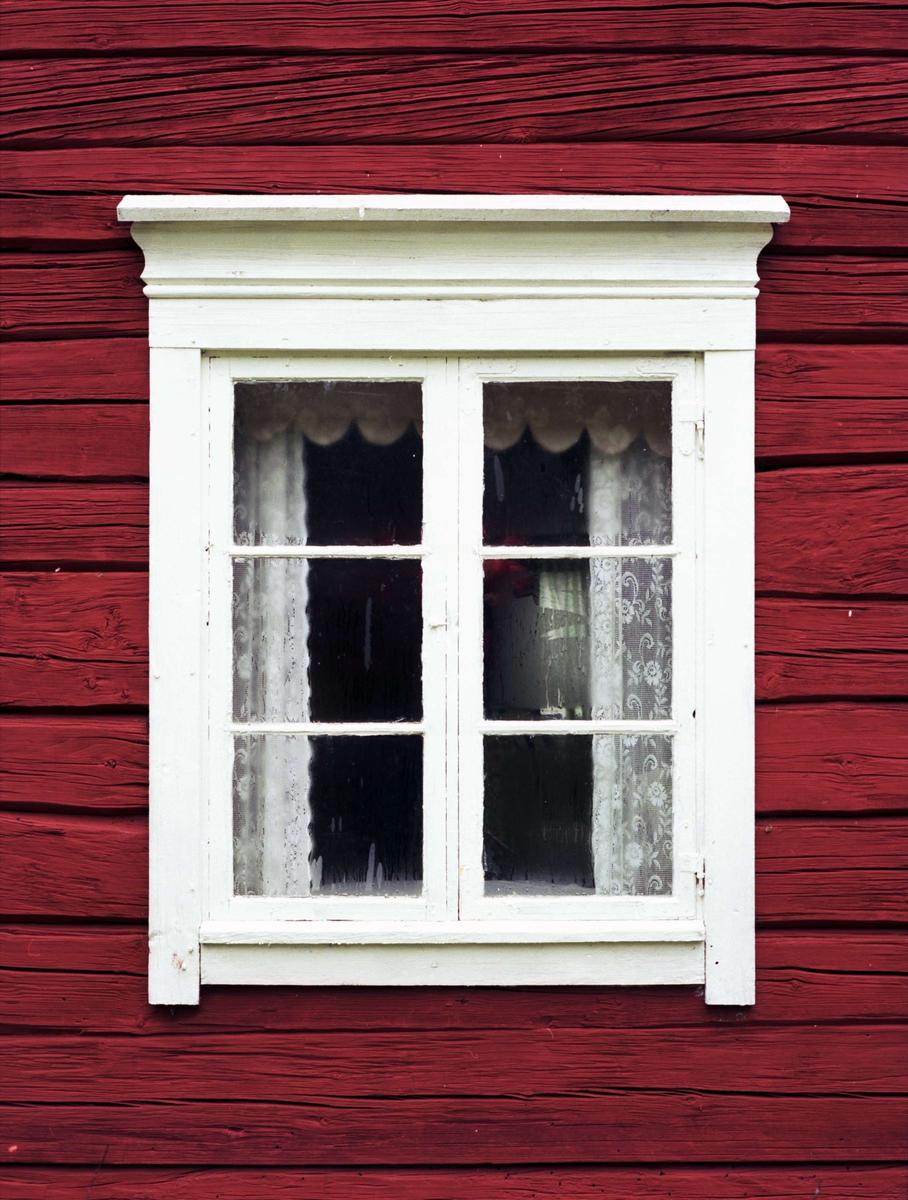 Fönster på bostadshus med femdelad plan, Inninge, Stavby socken, Uppland 1995