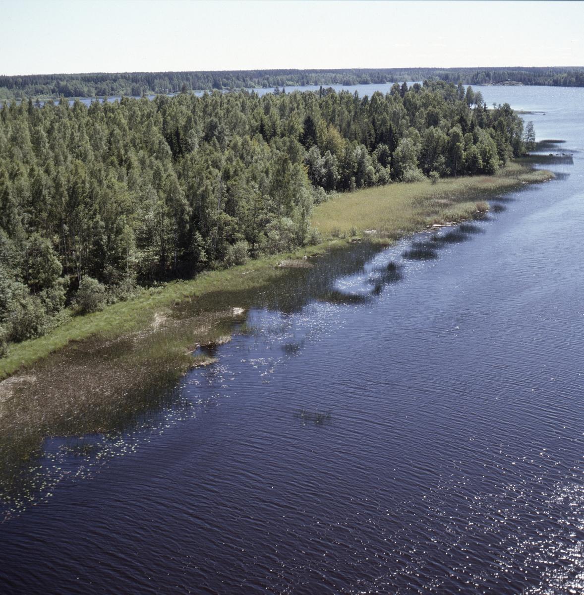 Vy över sjön Strömaren och Storön, Uppland, juni 1989