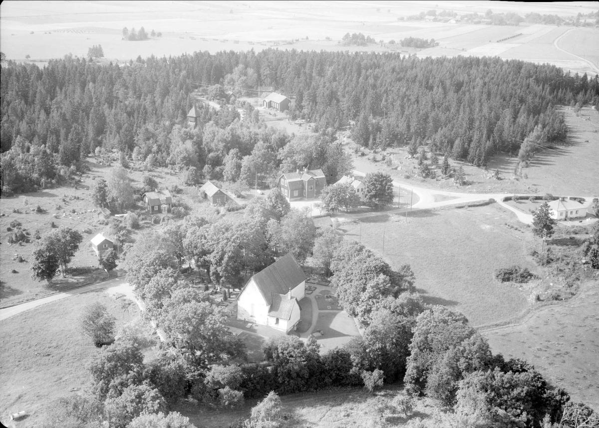 Flygfoto över Lagga, Lagga socken, Uppland 1958