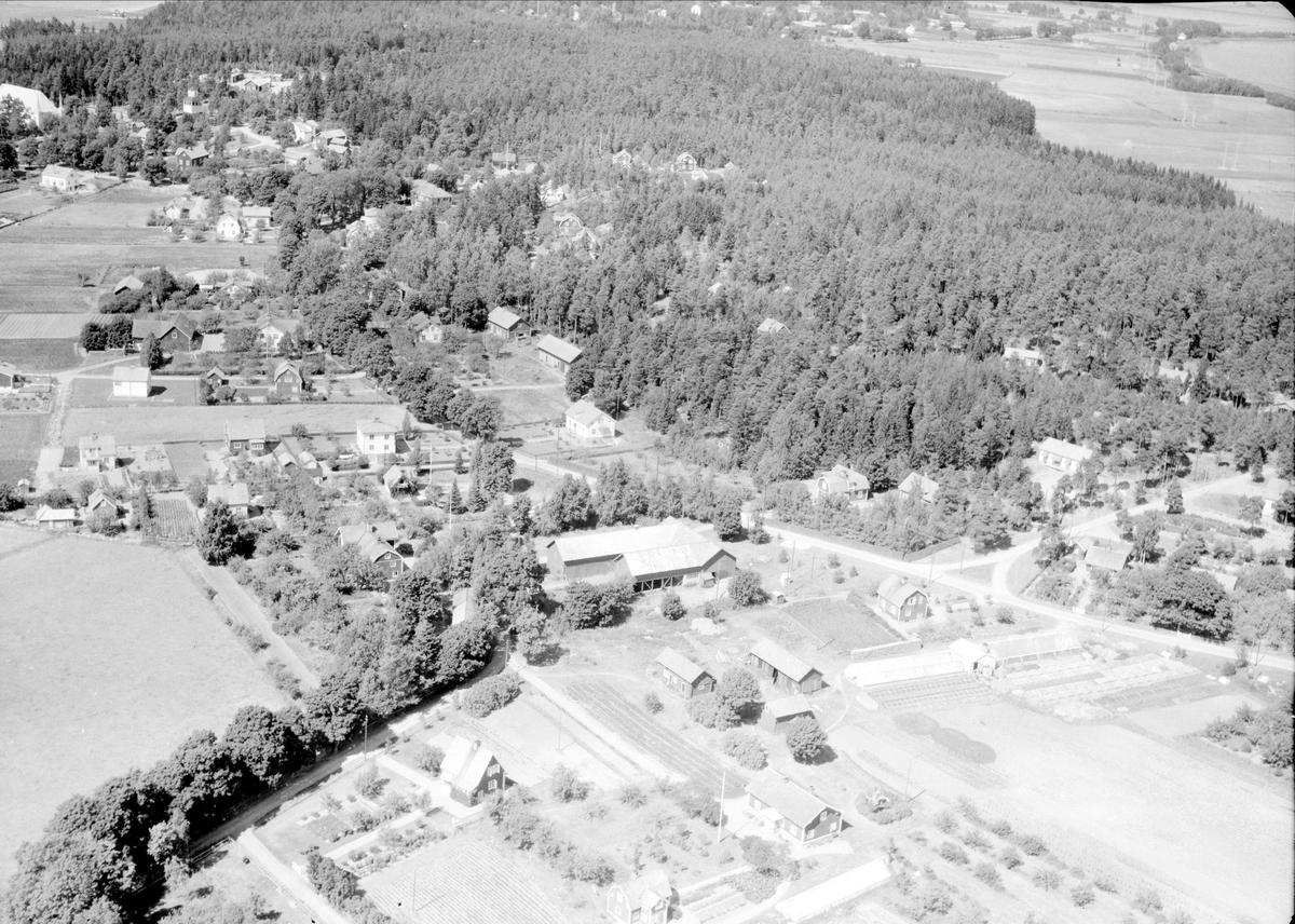 Flygfoto över Tibble, Björklinge socken, Uppland 1947