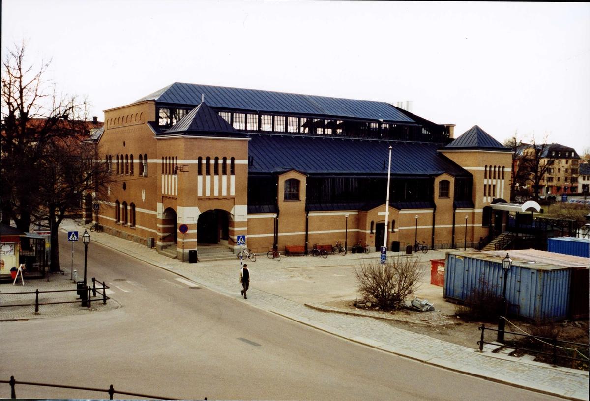 Saluhallen vid S:t Eriks torg, Uppsala 2004