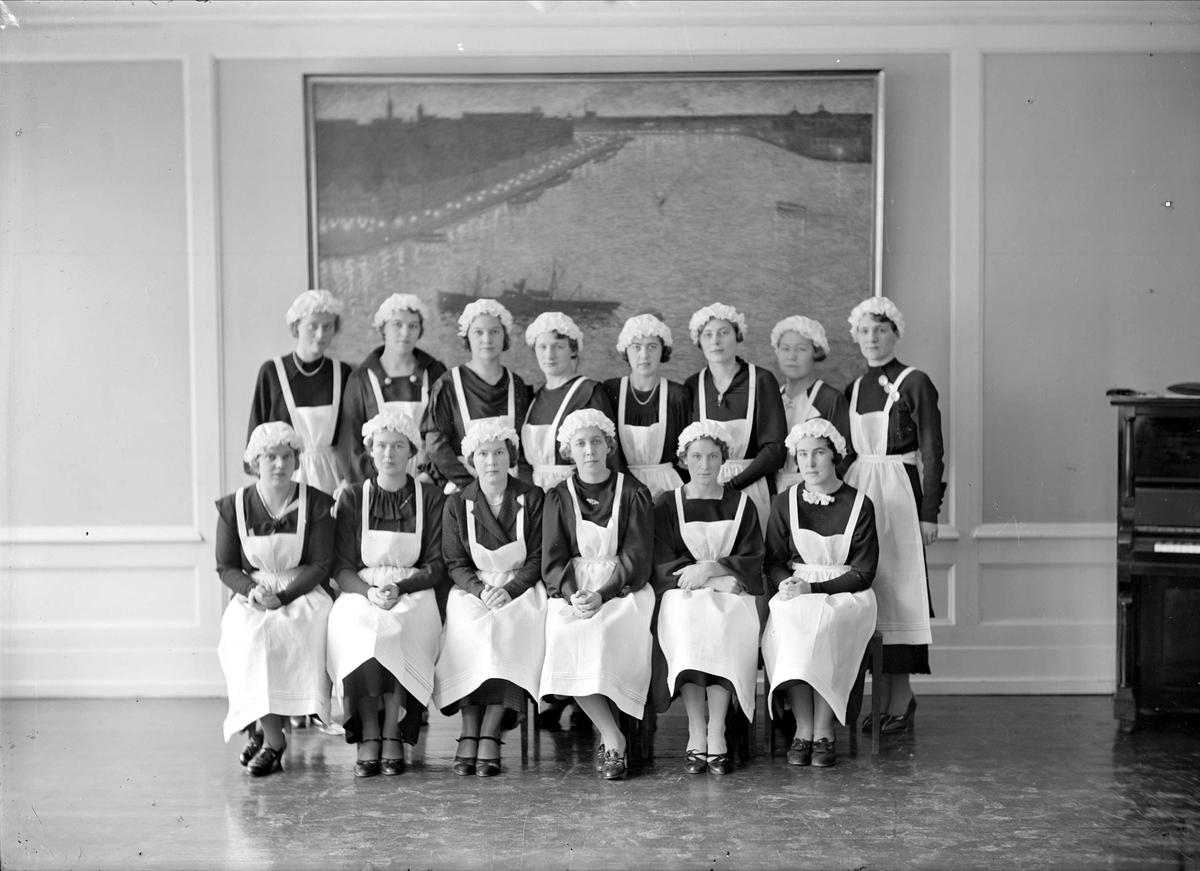 Grupporträtt - deltagare i kurs för lärare på Fackskolan för huslig ekonomi, Trädgårdsgatan, Uppsala 1935