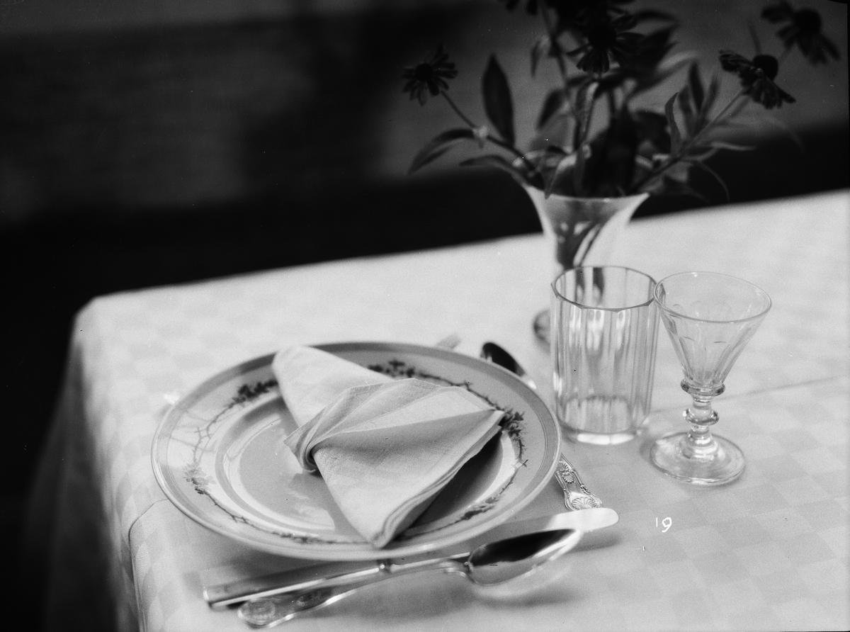 Visning av bordsdukning, Fackskolan för huslig ekonomi, Uppsala 1931