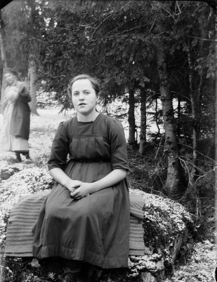 Kvinna, Uppland