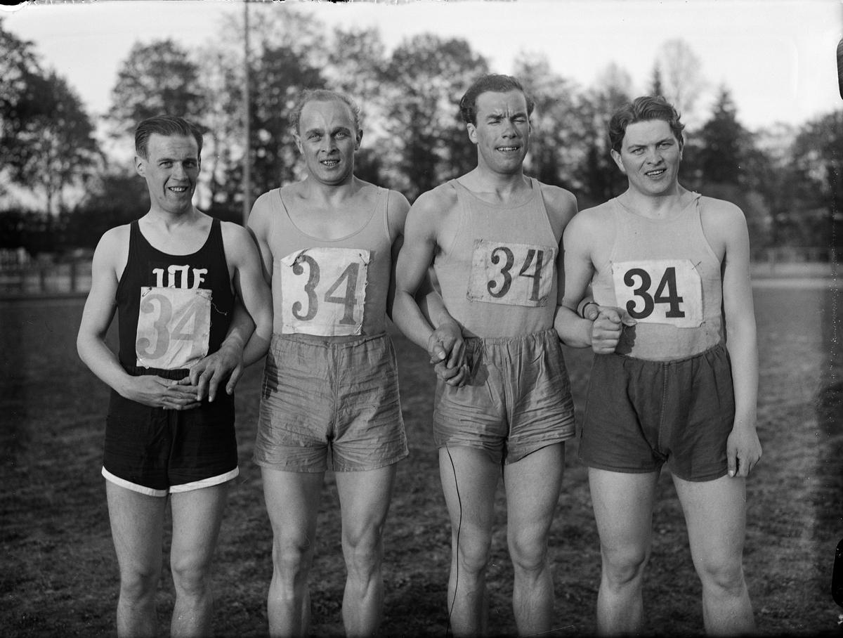 Stafettlag från Upsala Idrottsförening, UIF,  på Studenternas Idrottsplats, Uppsala 1939