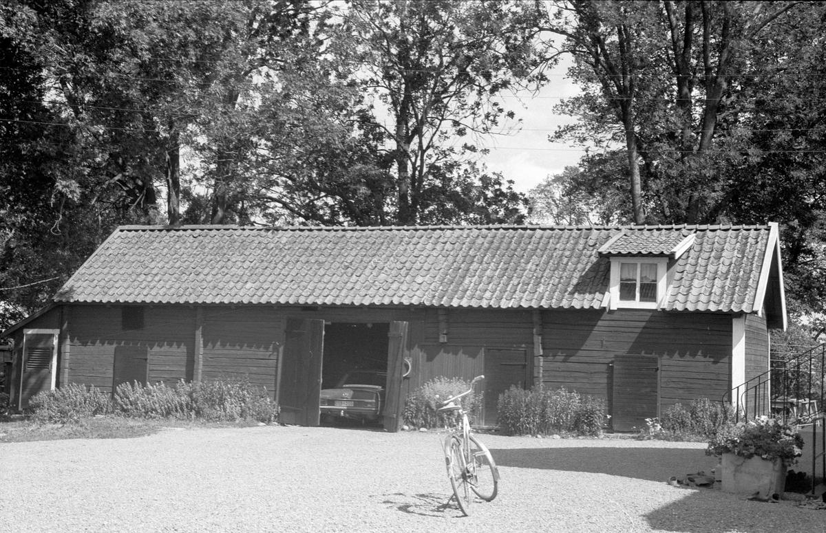 Portliderlänga, magasin, matbod, jordkällare och hemlighus, Svista 4:1 och 6:1, Bälinge socken, Uppland 1976