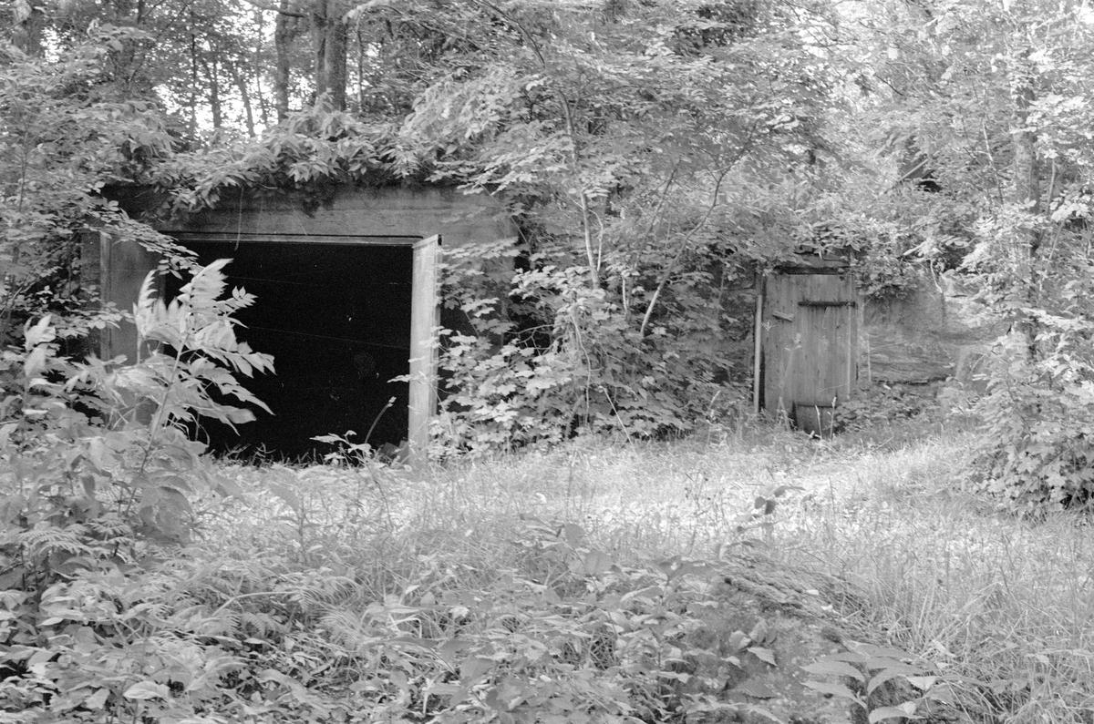 Garage, Södergården, Lena-Brunna 4:1, Brunna, Lena socken, Uppland 1978