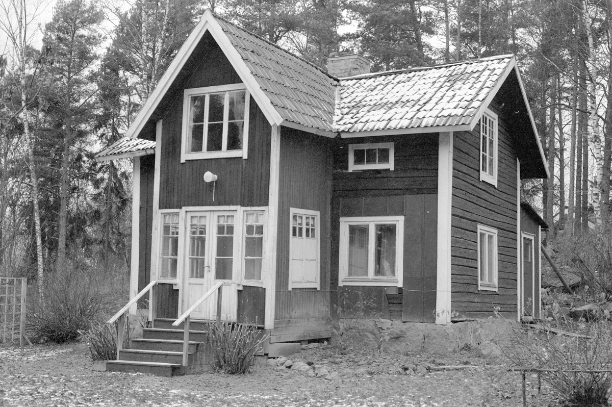 Bostadshus, Lövstalund, Hagby-Forsa 2:10, Forsa, Hagby socken, Uppland 1985