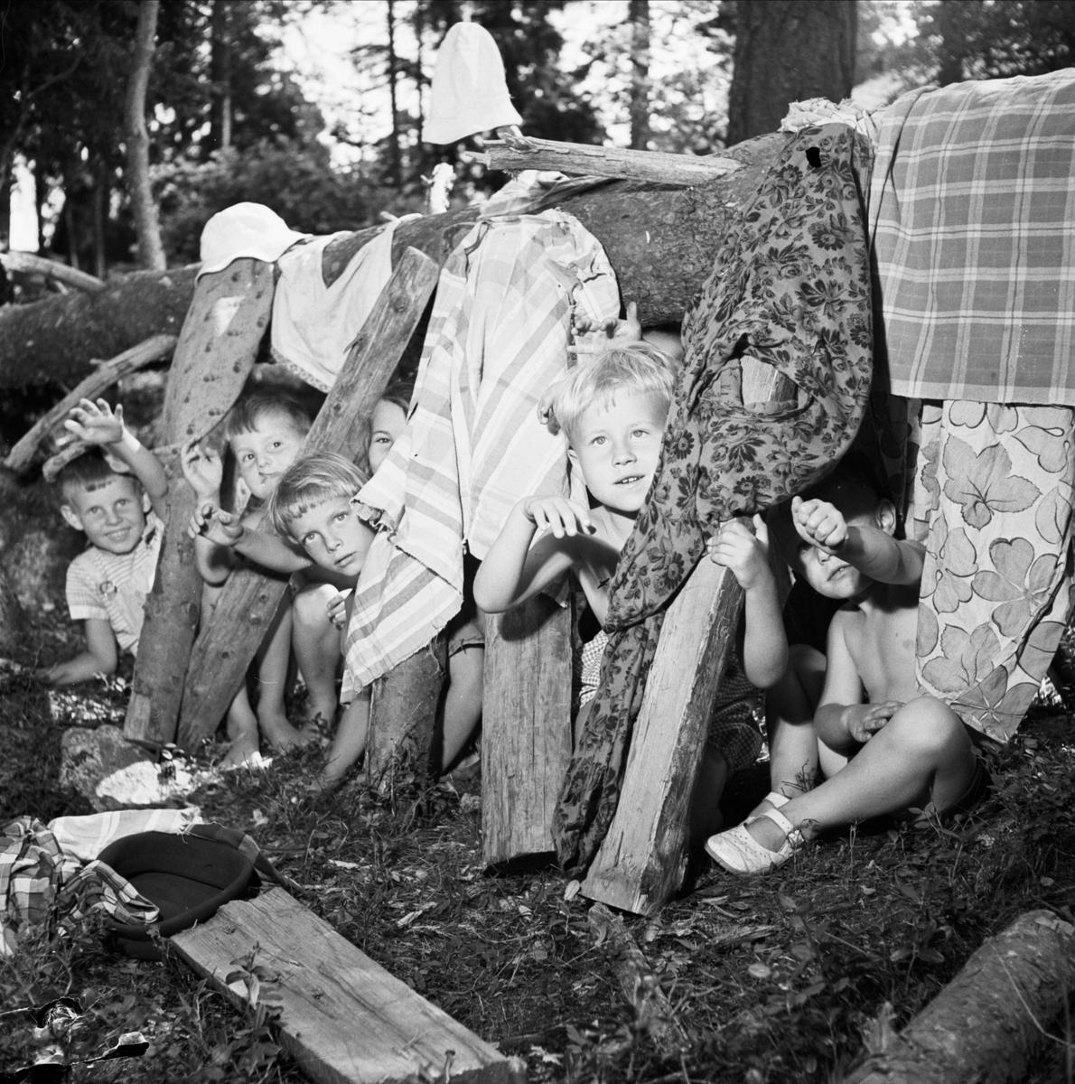 Barnkoloni i Knivsta, Uppland 1952