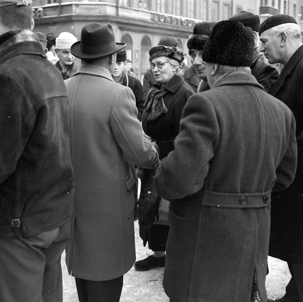 Marknad vid Nybron, Uppsala februari 1960