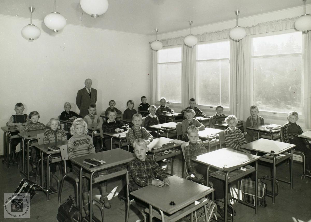 Elever ved Byremo skole, Grindheim.
