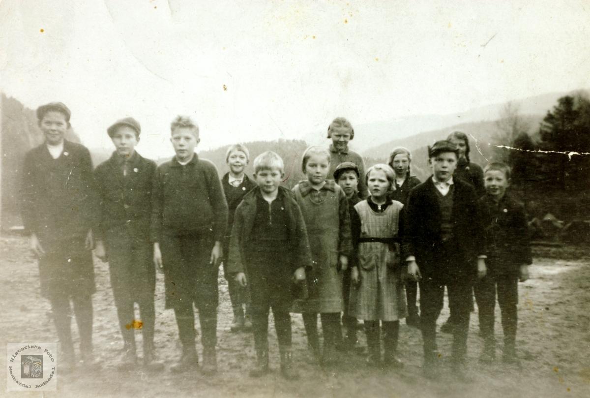 Elever fra Høyland og Øydna på skoletur helt til Lista. Grindheim Audnedal.