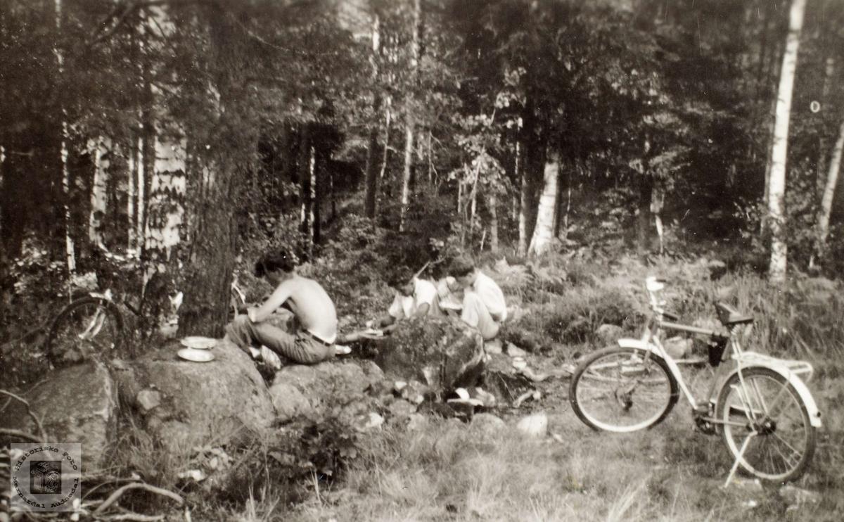 På telttur med sykkel til Storesand, Grimstad.