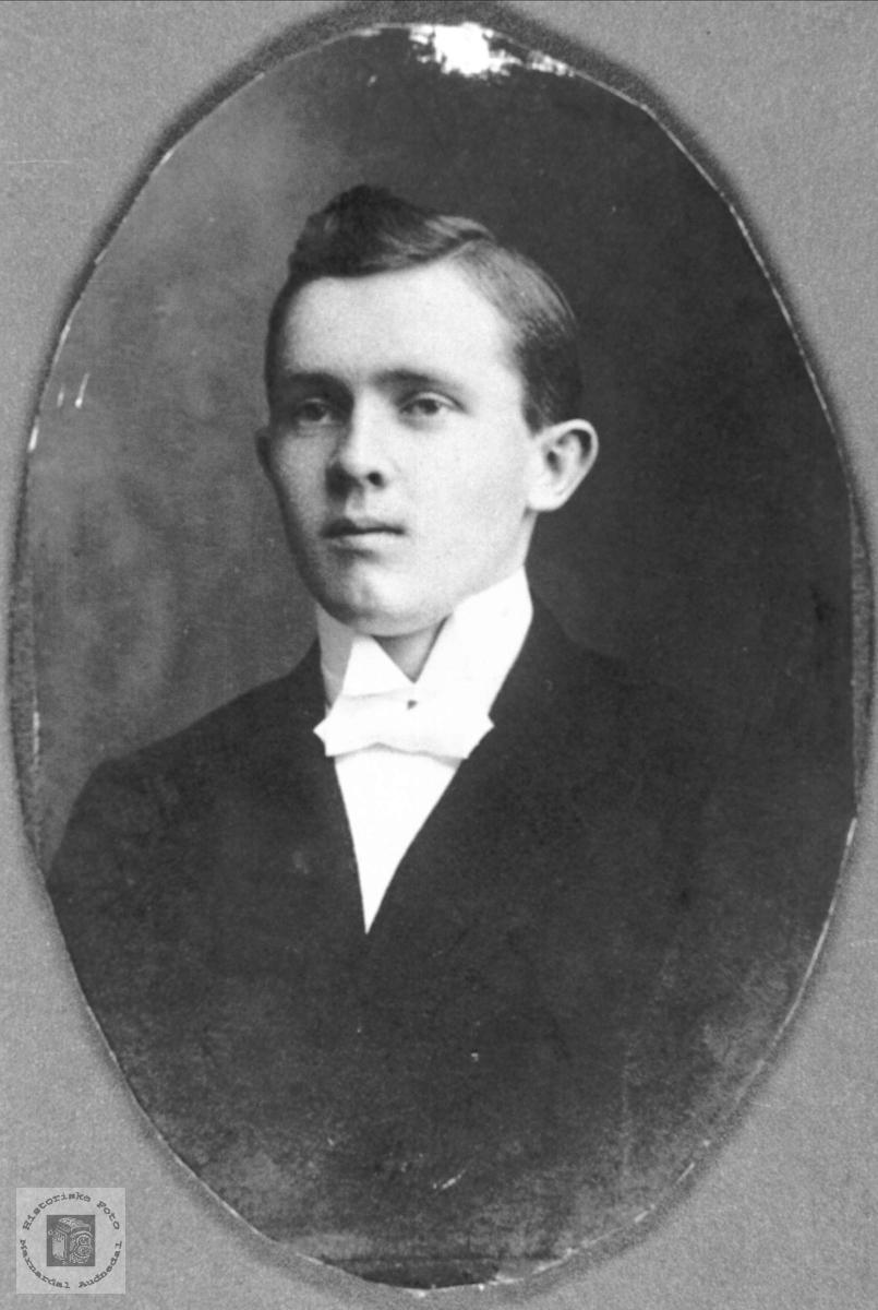 Portrett av Ole O. Ågedal, Konsmo.