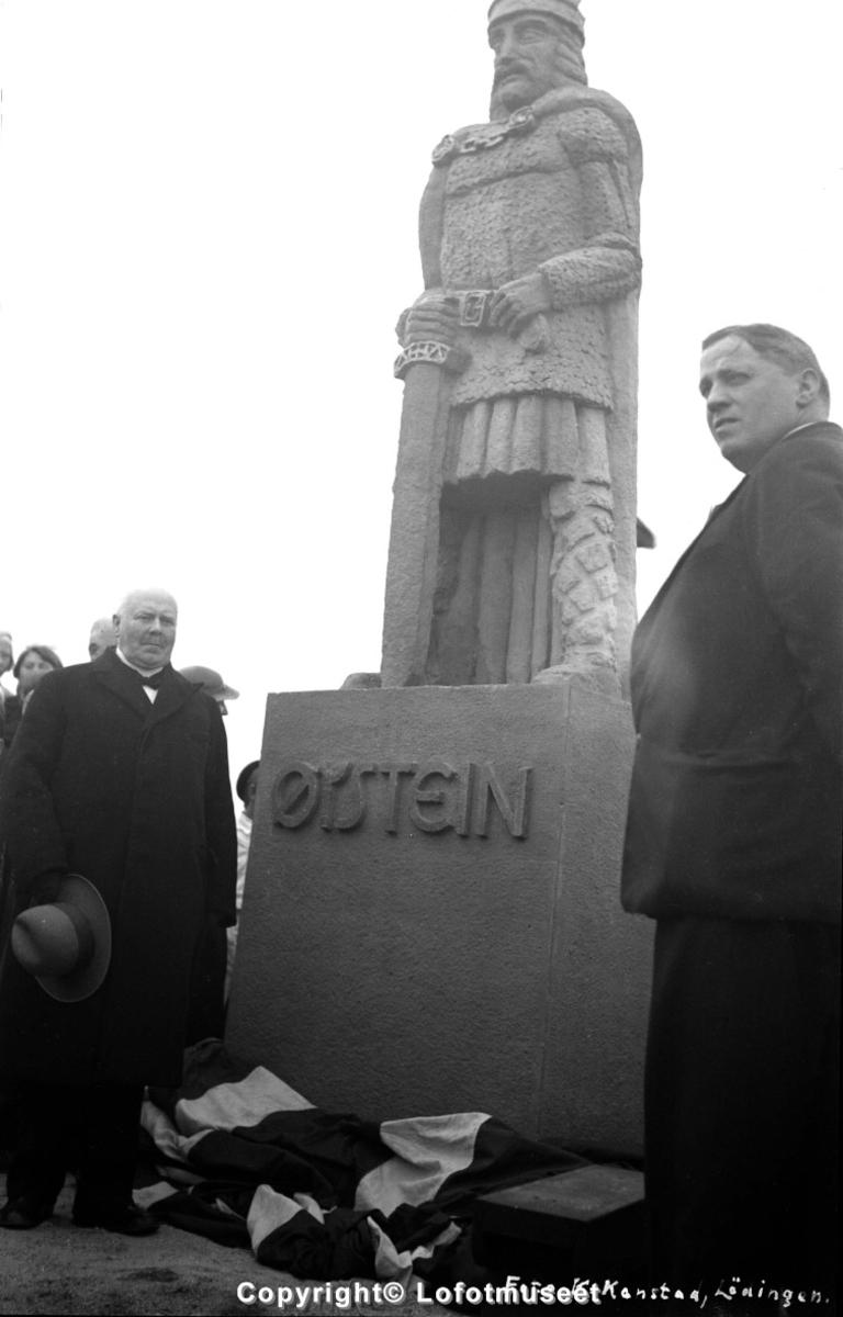 Avduking av Kong Øysteins statue, Kabelvåg, 15.september 1936.