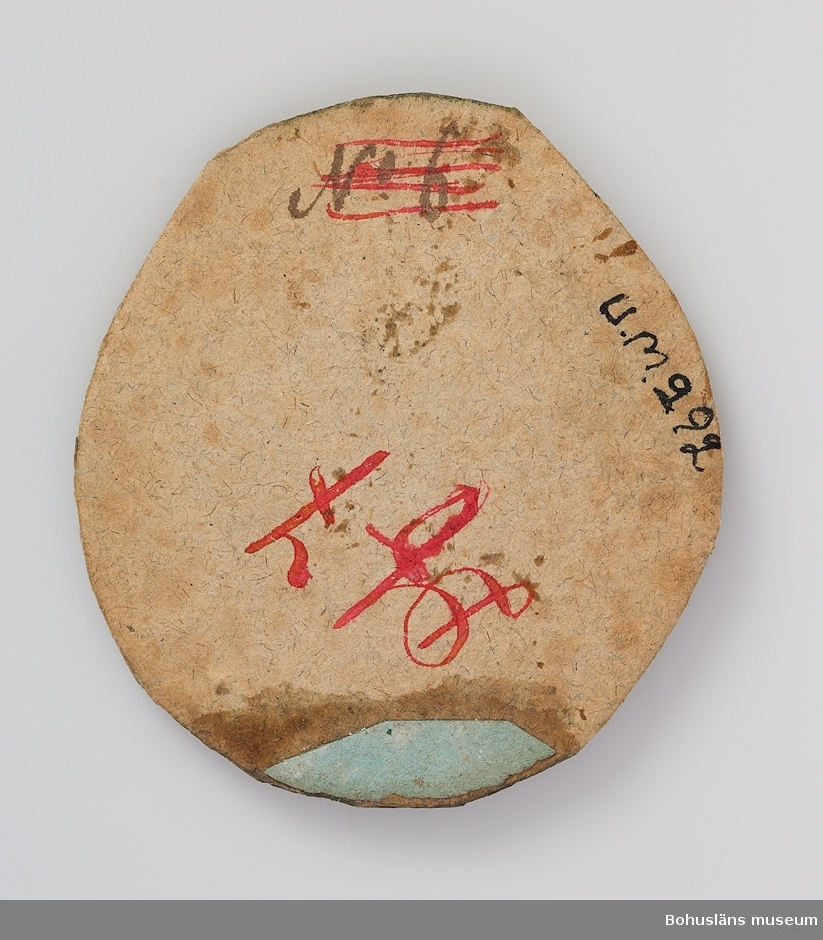 Ur handskrivna katalogen 1957-1958: Sigillavtryck Diam: 6,5. Göteborgs stads konst- och målarsigill. Föremålet helt.  Lappkatalog: X