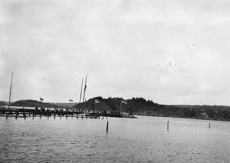 """Enligt text på fotot: """"Roddtävling juli 1936""""."""