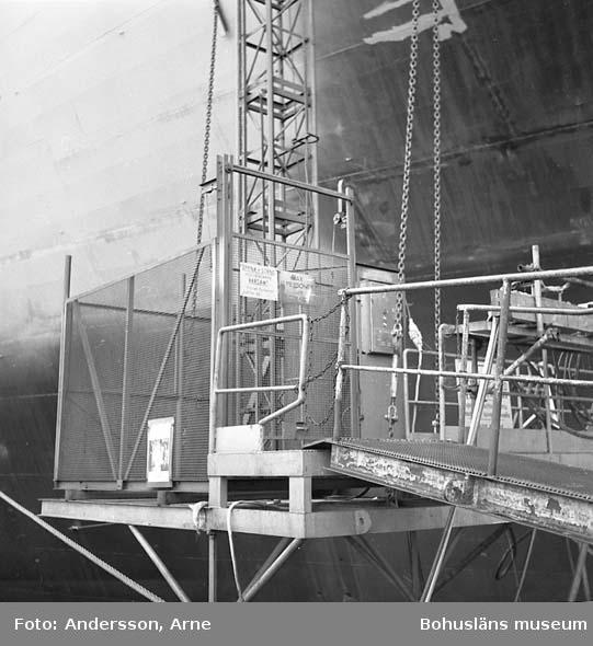 Skyddet: Dokumentation av alimak-hiss på fartyg 235 M/T Ronariver.