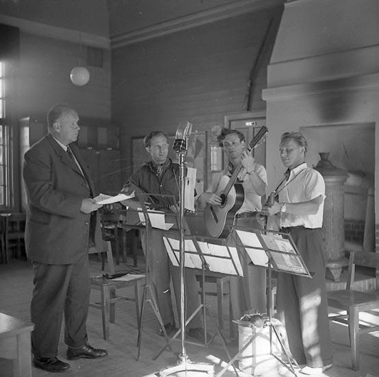 """Enligt notering: """"Radioutsändning 26/7 1948""""."""