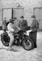 Motorcykeltävling 1954.