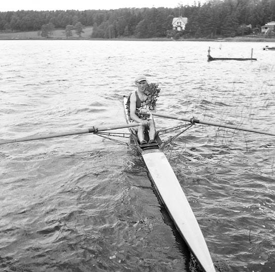 """Enligt notering: """"Roddtävlingen Landskamp (Finland - Sverige) juni 1955""""."""