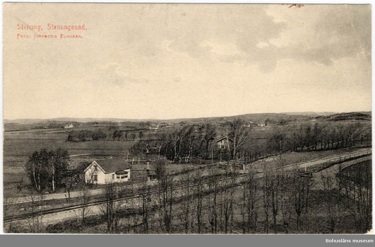 "Tryckt text på bildens framsida: "" Stenung, Stenungsund. Foto Ingeborg Enander"""