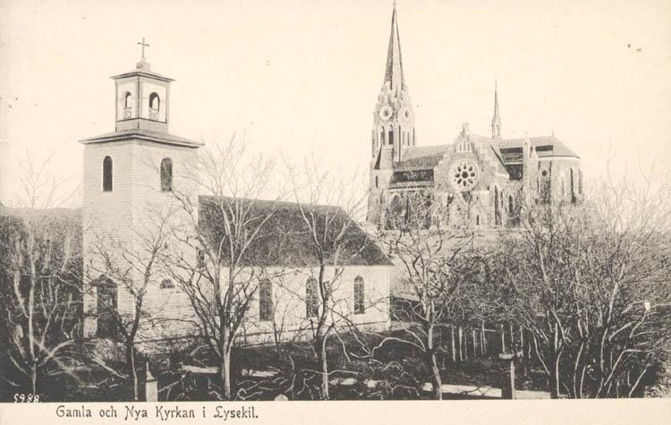 """Tryckt text på kortet: """"Gamla & Nya Kyrkan i Lysekil""""."""