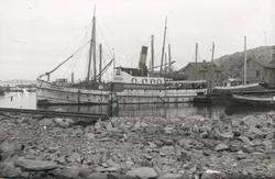 "Noterat på kortet: ""Lysekil. Pass. båten Norrviken i Lysekil"
