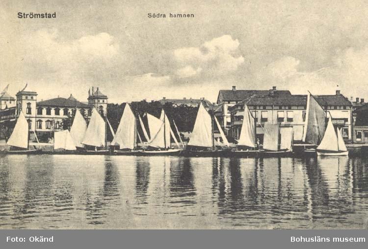 """Tryckt text på kortet: """"Strömstad. Södra Hamnen."""" ::"""