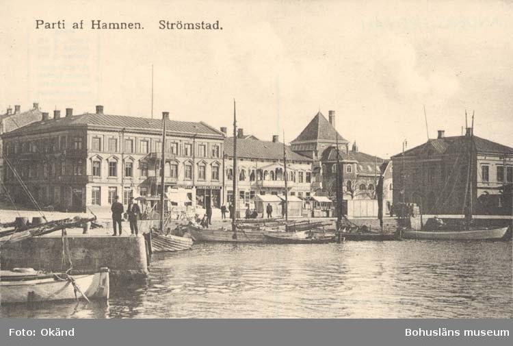 """Vykort. """"Parti af Hamnen.Strömstad."""""""