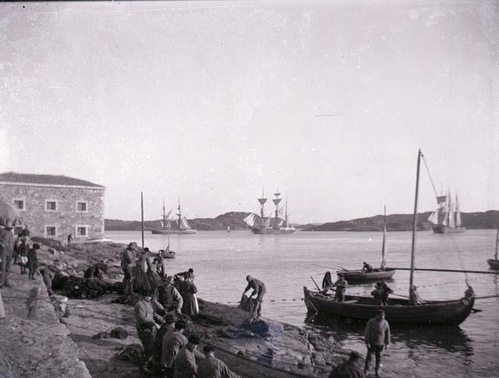 Fiskare med landvad vid södra Strandverket.
