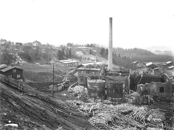 """Enligt fotografens noteringar: """"Eldsvådan vid Munkedals fabrik."""""""