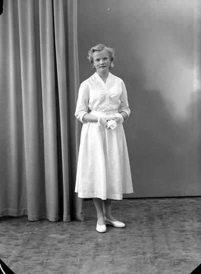 """Enligt fotografens notering: """"Anne-Britt Torstensson, Stenung Uppegård Stenungsund""""."""