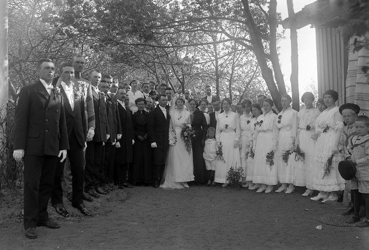 """Enligt fotografens journal nr 3 1916-1917: """"Kellbergska bröllopet"""". ::"""
