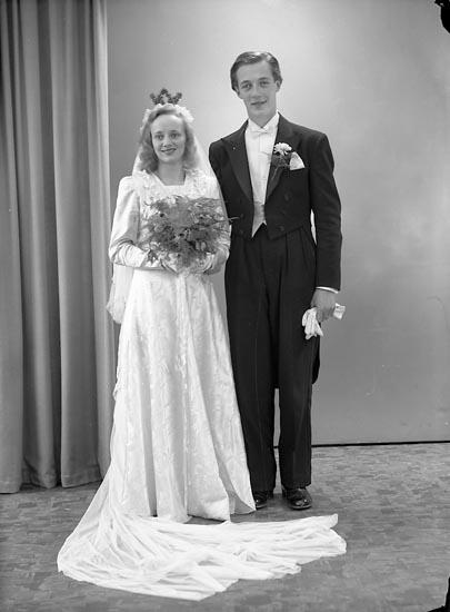 """Enligt fotografens journal nr 7 1944-1950: """"Johansson, Evert Lunna Ödsmål""""."""
