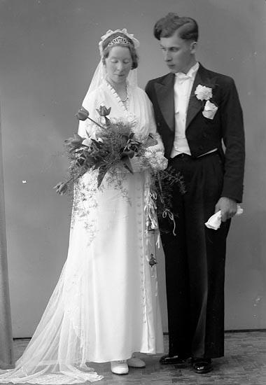 """Enligt fotografens journal nr 6 1930-1943: """"Kristoffersson, Henrik, Skåldal, Kode""""."""