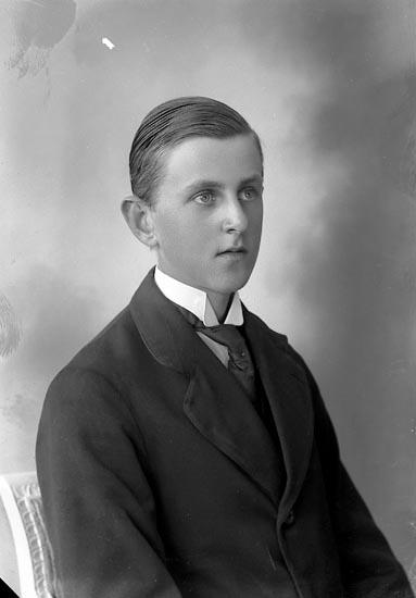 """Enligt fotografens journal nr 4 1918-1922: """"Olén, Eskil Här""""."""