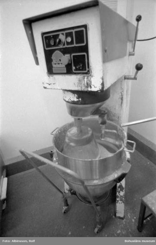 """Enligt fotografens noteringar: """"Såsrummet, potatismoset vispas."""" Fototid: 1996-01-19."""