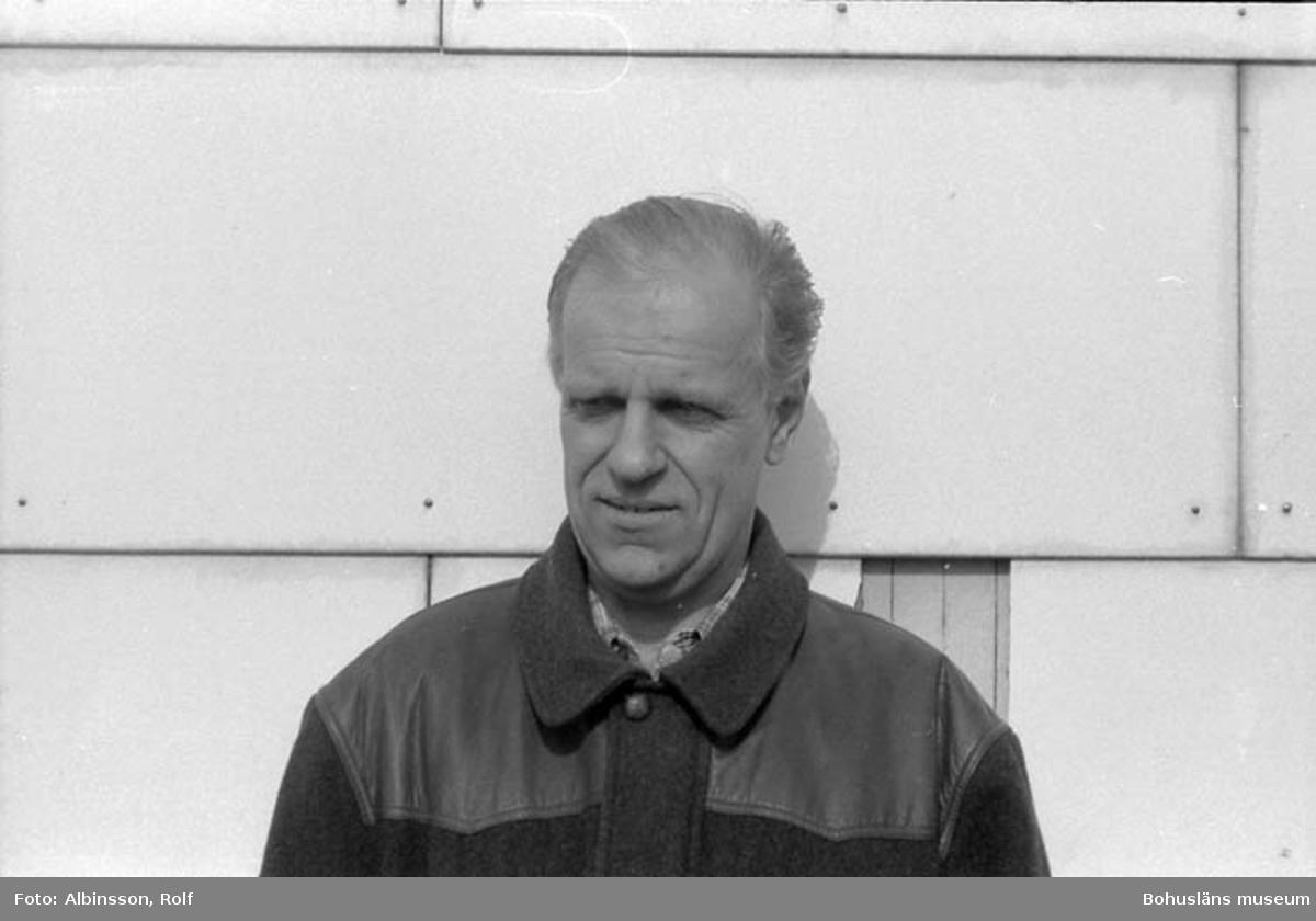 """Enligt fotografens noteringar: """"Hans Stranne.""""  Fototid: 1996-04-23."""