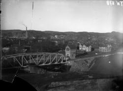 """Enligt tidigare noteringar: """"Järnvägsbron över Bäveån, samt"""