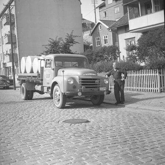 """Text till bilden: """"Lastbil. Gulf Oli Co. 1958.02.24"""""""