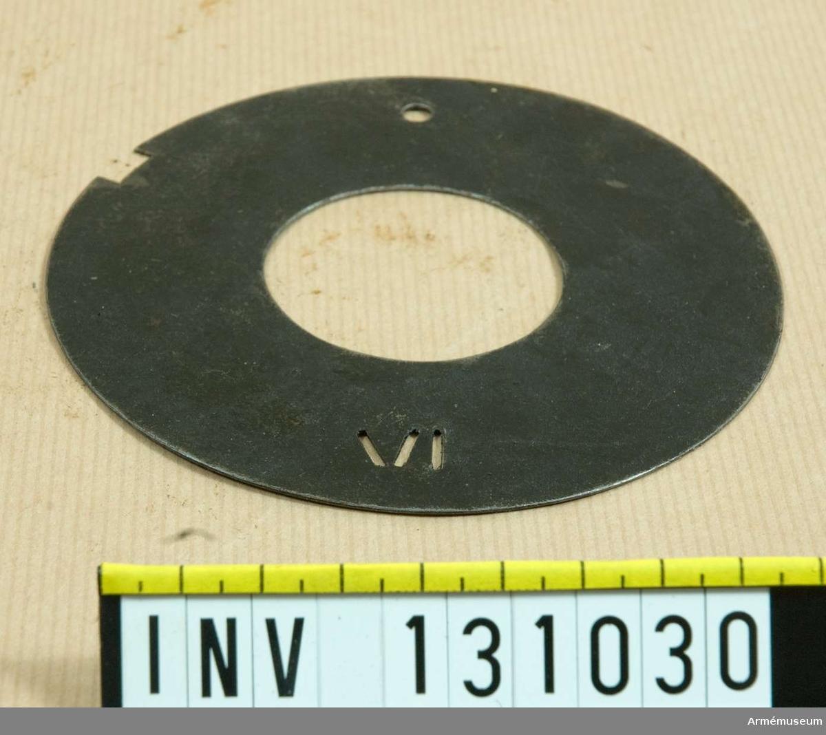 D 115 mm. IV.