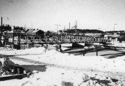 Den tillfälliga gångbron över Bäveån 1978