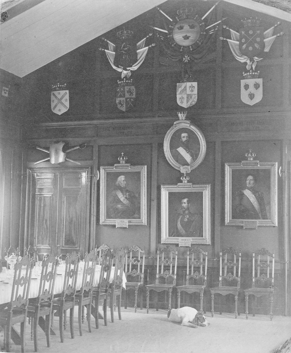 Matsalen i officerspaviljongen vid Utnäs Löt, mötesplats för Vestmanlands infateriregemente I 18.