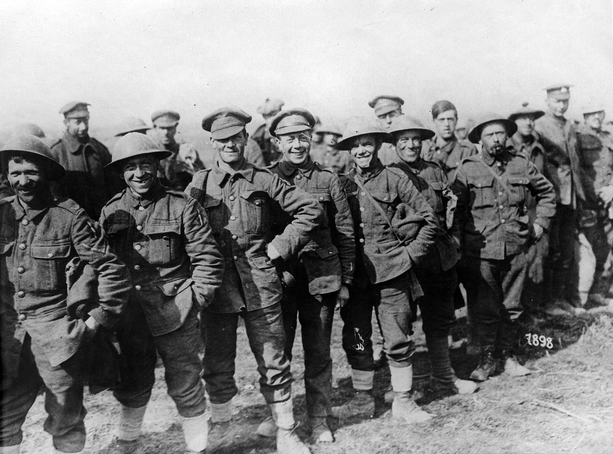 Första världskriget: Av tyskarna under drabbning vid Bapaume tillfångatagna engelsmän.
