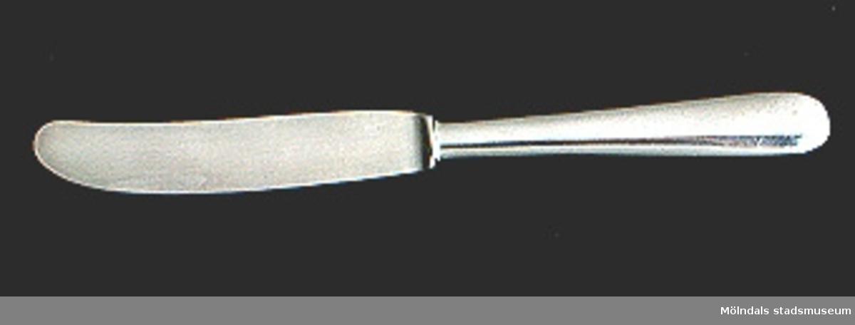 """Matkniv.Vid skaftet märkt IS SSK - 110På skaftet inristat bokstaven """"P""""."""